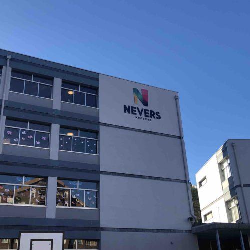 fachada de Nevers ikastetxea