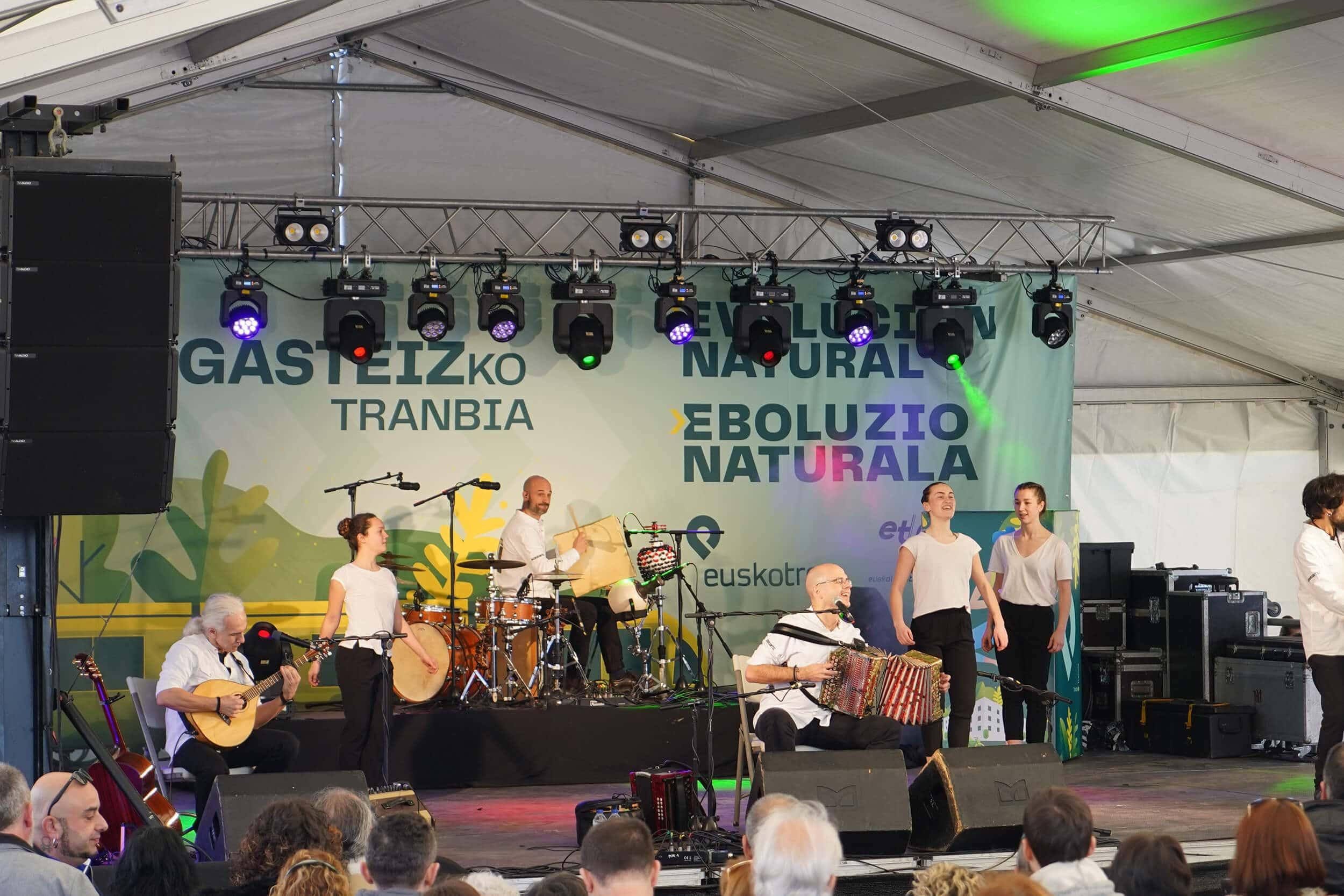 Campaña Euskotren inauguración tranvía sur Vitoria - Gasteiz